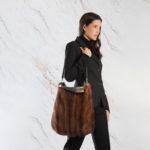 Borsa tracolla pelliccia marrone naturale visone usato con corno | Nicola Pelliccerie