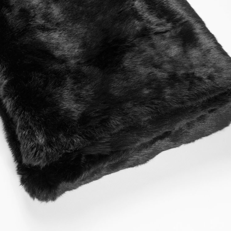 Coperta pelliccia nera lapin lana plaid leggera chalet | Nicola Pelliccerie