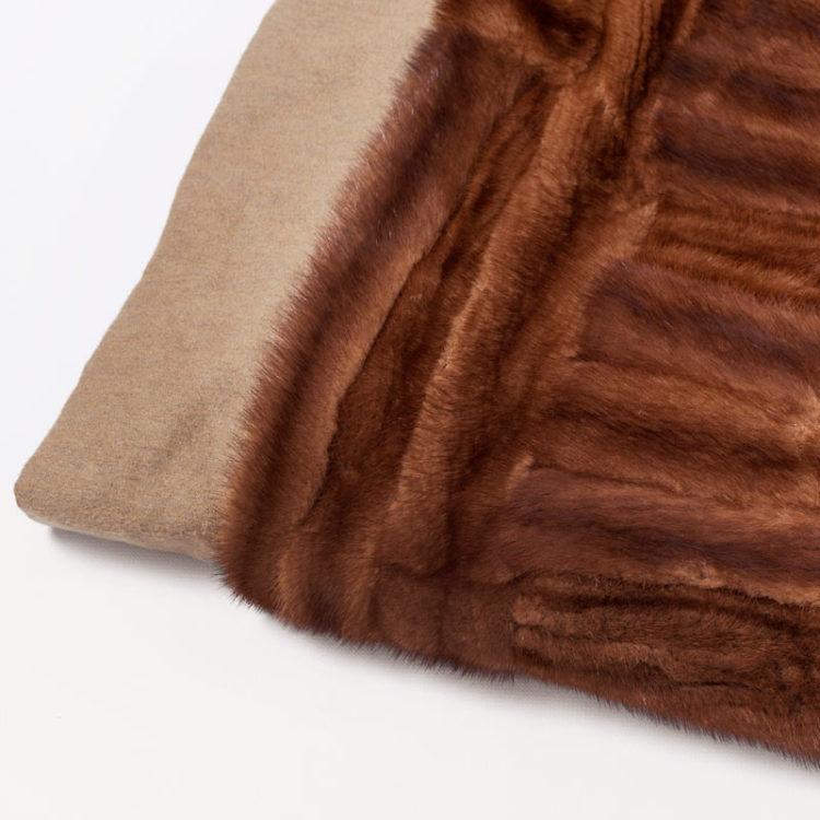 Plaid pelliccia visone 190x145 cm divano letto lana naturale | Nicola Pelliccerie