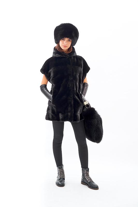 Smanicato visone nero gilet ragazza volpe fox nera horn | Nicola Pelliccerie